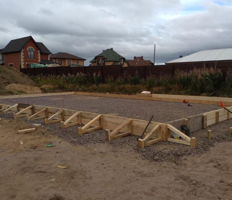 Строительство одноэтажного хозяйственного блока в п. «Петровское Барокко»